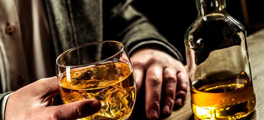 Помогает алкоголь от коронавируса